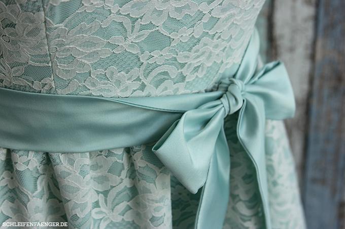 Schleifenfängerbraut: Constanze trägt ein kurzes Brautkleid Annelies ...