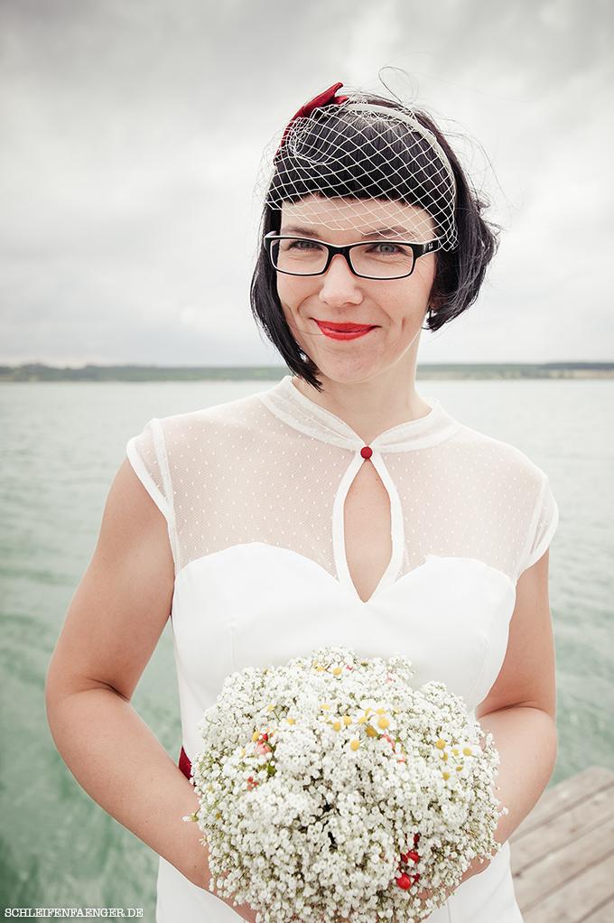 Schleifenfängerbraut: Ines heiratet im 50s-Etuikleid auf der Vineta ...