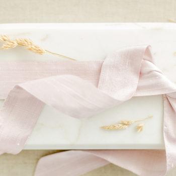Braut-Gürtel aus Seide in zartem Rosé