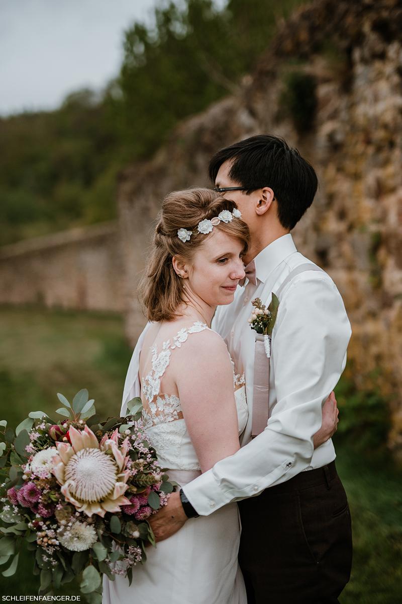 #Schleifenfängerbraut: Diana heiratet Tam im Kloster Buch