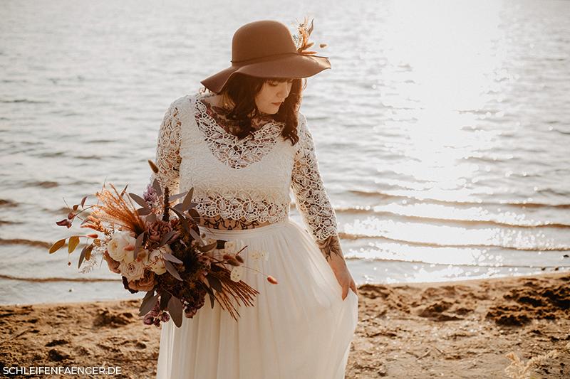Hochzeit am Strand im Boho-Stil